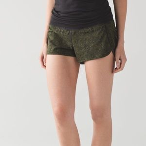 Lululemon speed shorts camo mini pencil lace